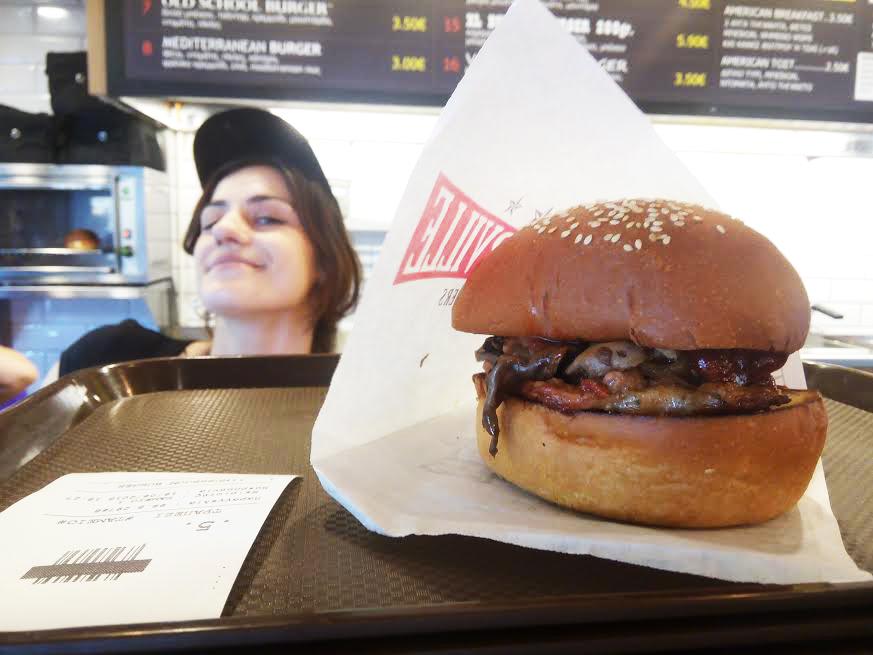 Ακου τι εφαγα στο BurgerVille στο Γκάζι!