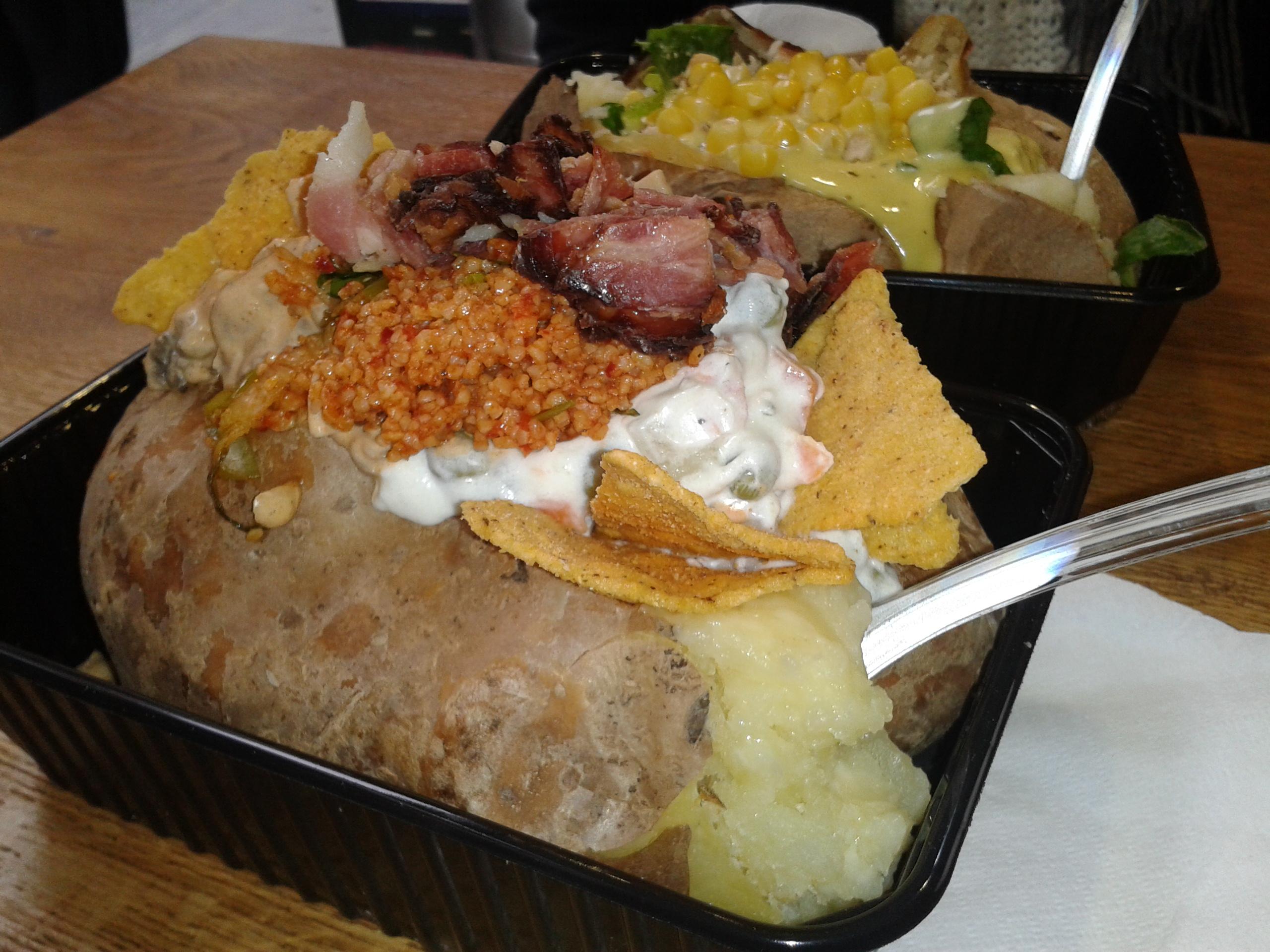 Άκου τι έφαγα στη Καυτή Πατάτα στην Αθήνα